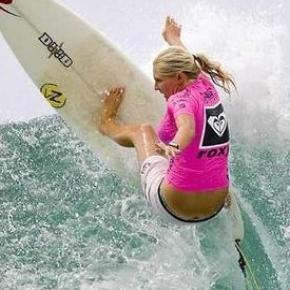 Stephanie Gilmore, campionessa di surf
