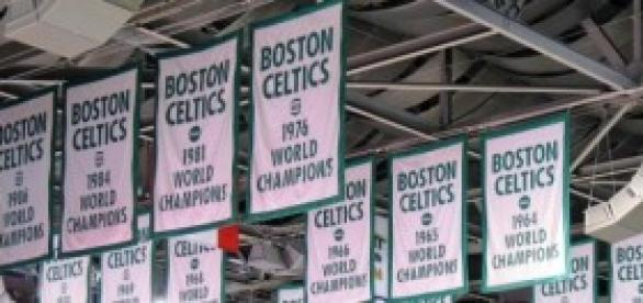 Banners de las victorias de los Boston Celtics.