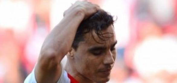Dos goles de Bravo, salvan a la Chivas