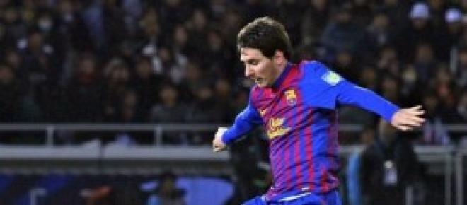 Messi regateando a un rival