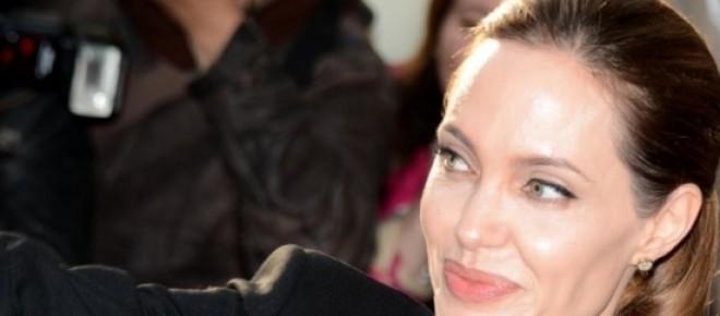 """Angelina Jolie não pretende afastar-se """"completamente"""" do grande ecrãn"""