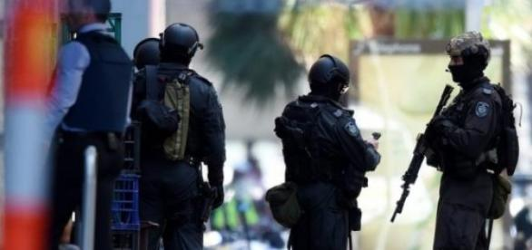 Sydney Police stop the siege