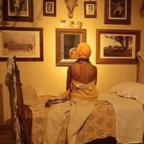 Femme noire enchaînée - Exhibit B