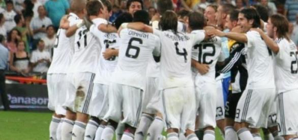 El R. Madrid vence por 4-0 al Cruz Azul