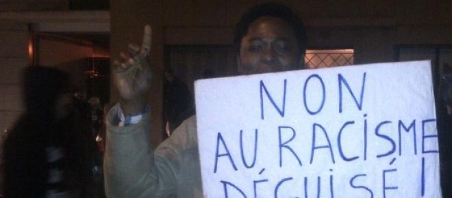 Manifestation contre Exhibit B rue curial
