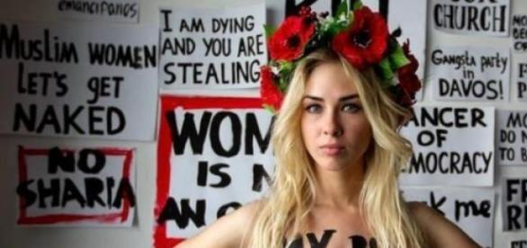 """Les Femen veulent mettre fin à la """"phallocratie""""."""