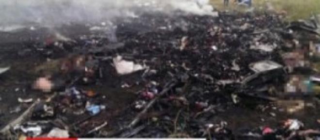 Le immagini del disastro aereo