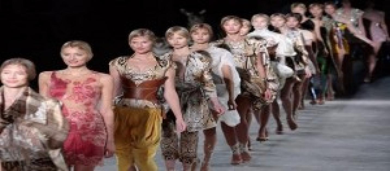 Sfilate di moda a milano per la settimana della moda di for Sfilate oggi milano
