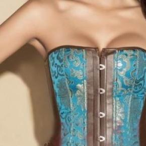 El corset regresa para resaltar la belleza