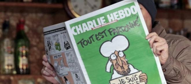 A edição especial de Charlie Hebdo chega esta sesta-feira às bancas portuguesas.