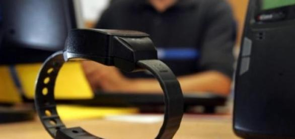 Le bracelet électronique, pas si utile que ça?