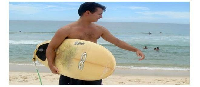 Padre surfista (Foto: Arquidiocese/Divulgação)