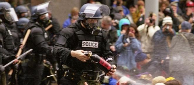 Die Polizei greift gegen Oppositionelle durch