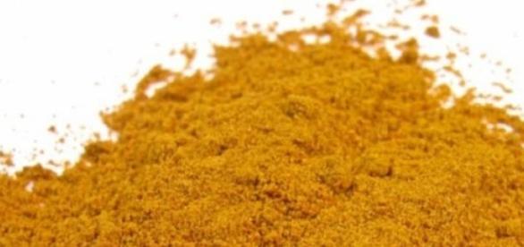 A curcumina dá ao açafrão a cor amarela