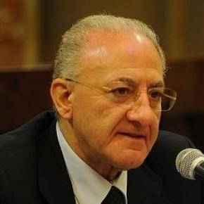 Vincenzo De <b>Luca ancora</b> sindaco: la condanna e la sospensione - de-luca-per-il-tar-ancora-sindaco-di-salerno_194971