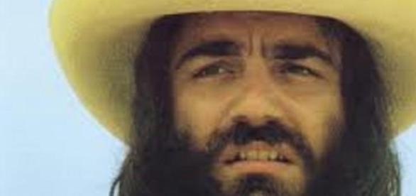 El emblemático Demis Roussos y su larga barba