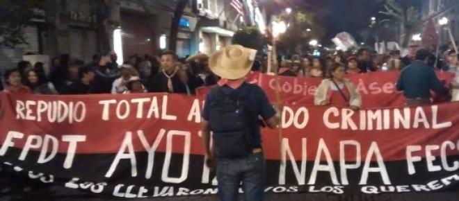 Padres de lo estudiantes normalistas de Ayotzinapa hacen un llamados a rechazar las elecciones del próximo 17 de junio en todo el país, debido a que de acuerdo a ellos los políticos no se preocupan en resolver los problemas de la nación.