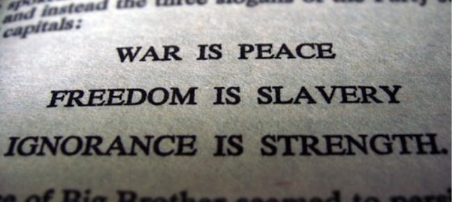 Liberdade é escravidão, ignorância é força