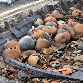 Restos de un barco de mercancías naufragado