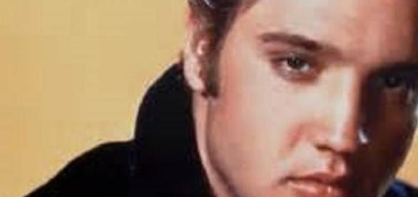 Elvis memorabilia sale goes ahead in Mississippi