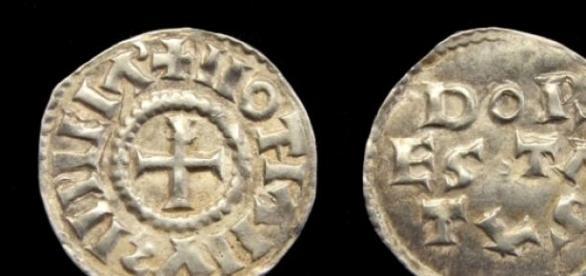 Carolingian denier of Lothair I, after 850.