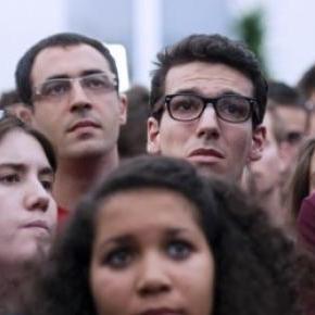 L'expression de la morosité sur les visages.