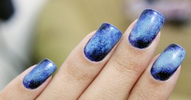 Nail art semplice, moda inverno 2015: decorazioni unghie con il foil