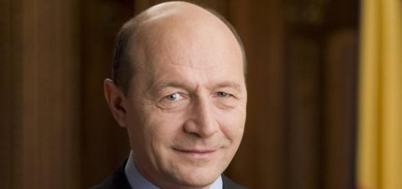 Traian Băsescu ar putea candida