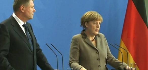 Angela Merkel își calcă pe principii