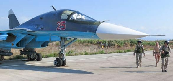 Piloţi ruşi pregătiţi pentru o misiune în Siria