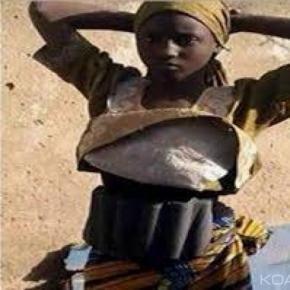 Jeune fille portant une ceinture explosive arrêtée