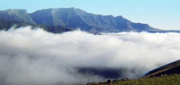 Image by Frank Flowers. Giants Castle, Drakensberg