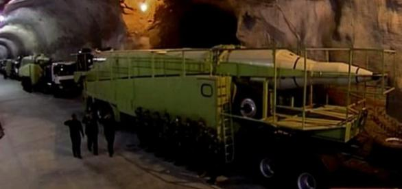 Tuneluri secrete pline cu rachete, in Iran