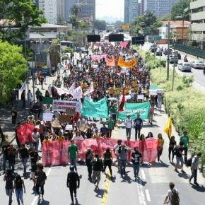 Foto por Yghor Boy marcha contra reorganização