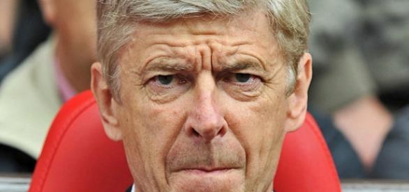 Arsène Wenger de saída após 19 anos no Arsenal.