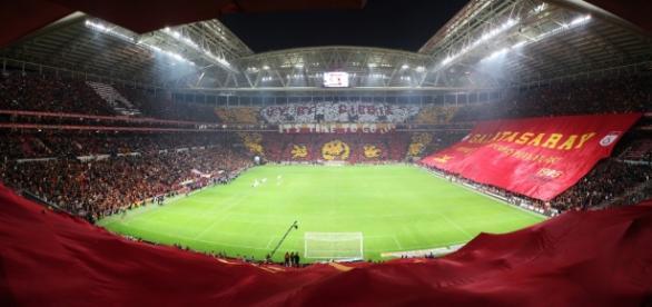 O Benfica defronta o Galatasaray esta noite
