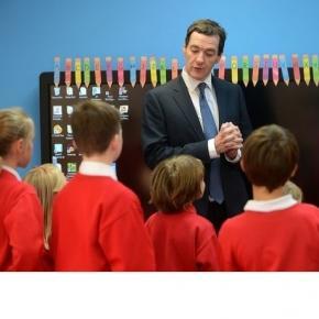 David Cameron taie în carne vie