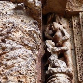 Seks oralny w hinduskiej świątyni.