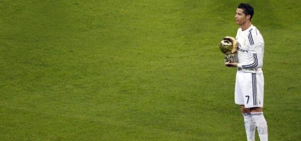 Ronaldo é o detentor do troféu