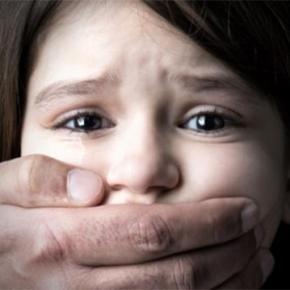 Fetite de 2 si 5 ani, victimele violurilor