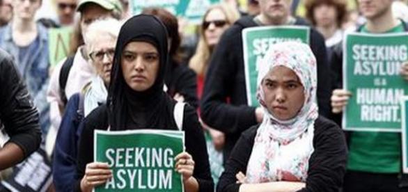 Imigranţi într-un centru de primire