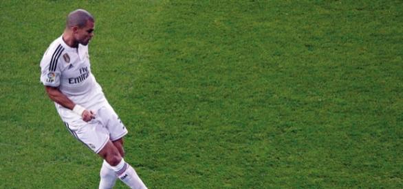 Real Madrid: Benzema und Pepe zurück im Training