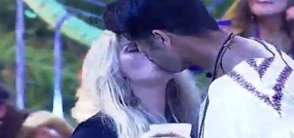 Veridiana e Marcelo trocaram o primeiro beijo