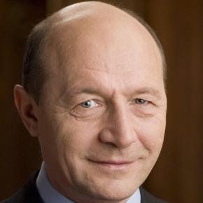 Traian Băsescu vrea să candideze