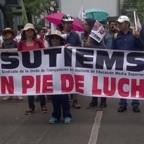 Manifestación del SUTIEMS (mayo 2015)