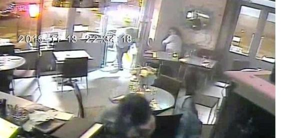 atacul teroristui în restaurant