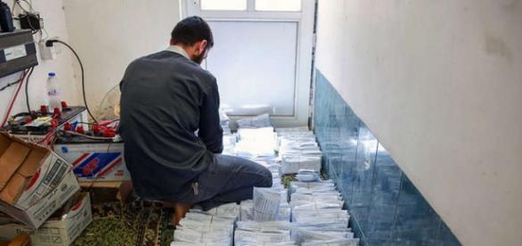 Bani colectaţi din taxe sunt distribuiţi săracilor