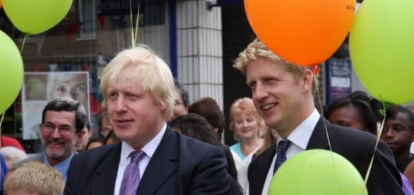 Business Minister Jo Johnson (right)