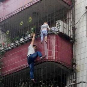 Salvarea miraculoasă a unui copil în China