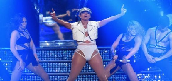 Jennifer Lopez în timpul concertului de la Miami